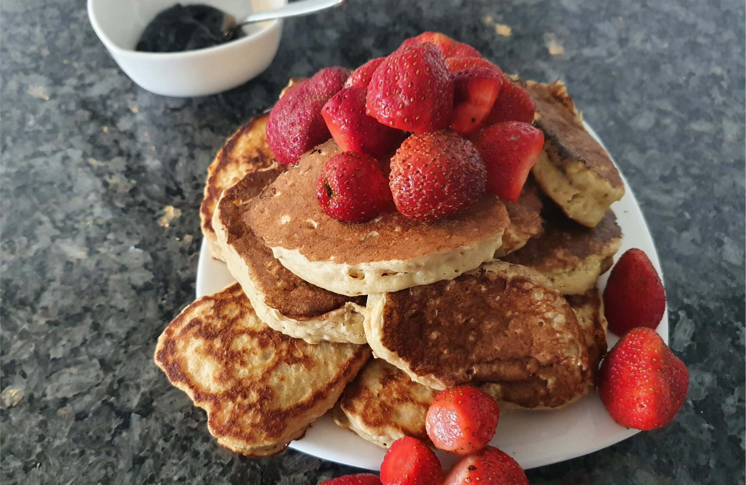 Banana Pancakes -Healthy Quick Pancakes MomMadeMoments
