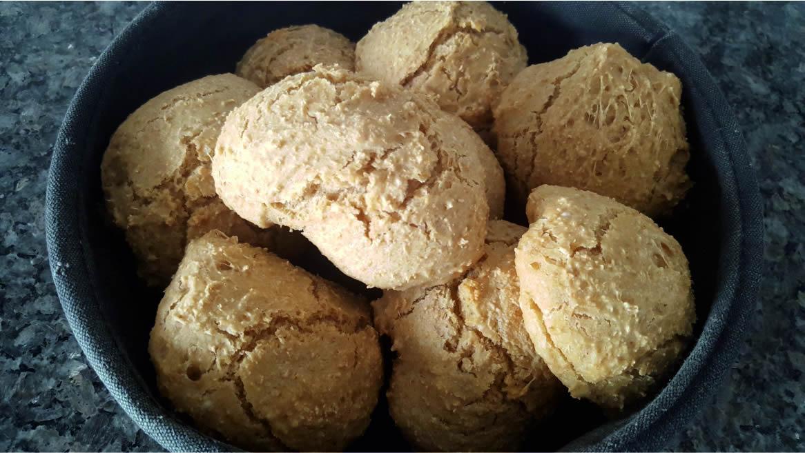 Oatmeal Bread -easy recipe MomMadeMoments.com