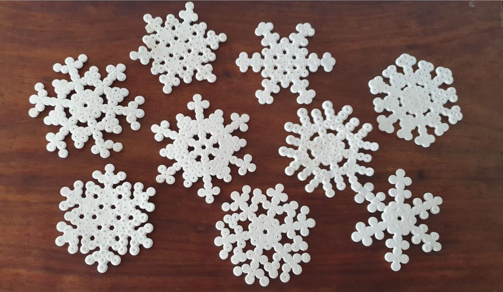 Perler Beads snowflakes 5 best Christmas Ideas for kids by MomMadeMoments.com