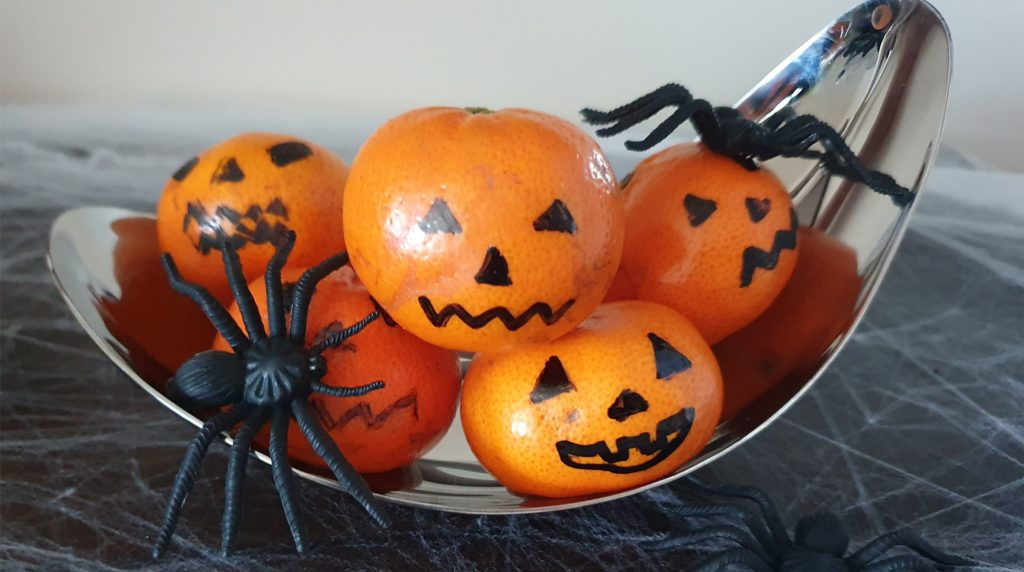 Clementine Jack-O'-Lanterns Healthy and Easy No Bake Halloween treats