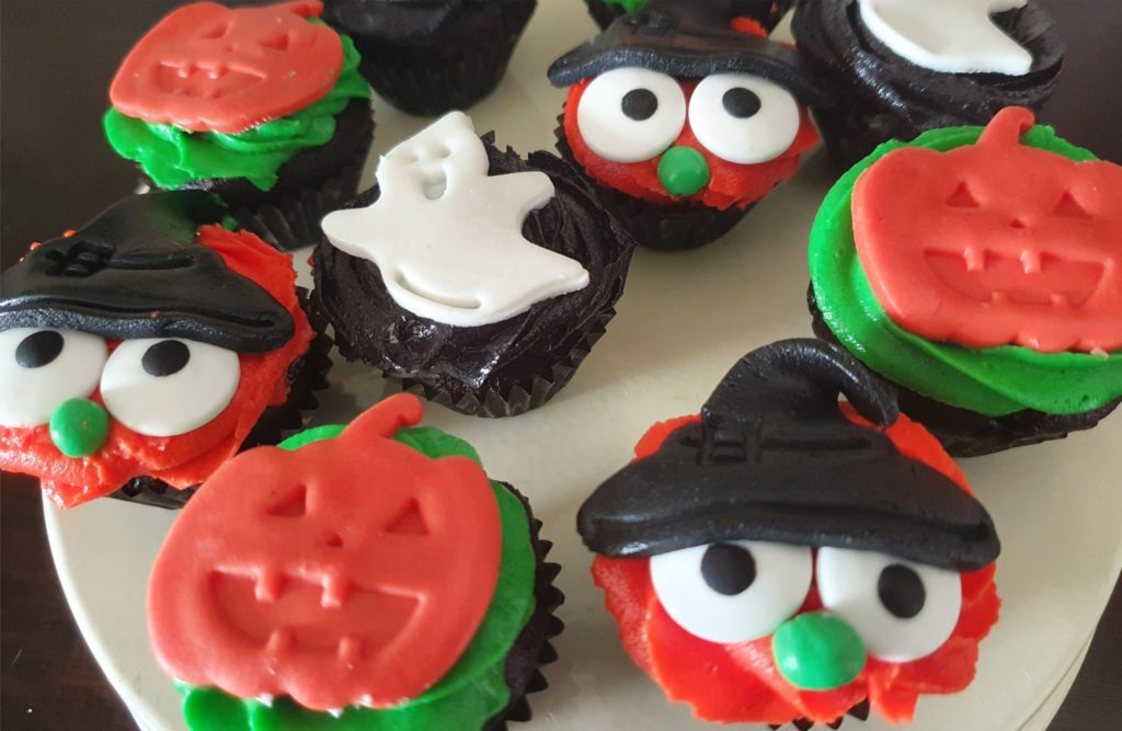 Halloween cupcakes cute and easy witch