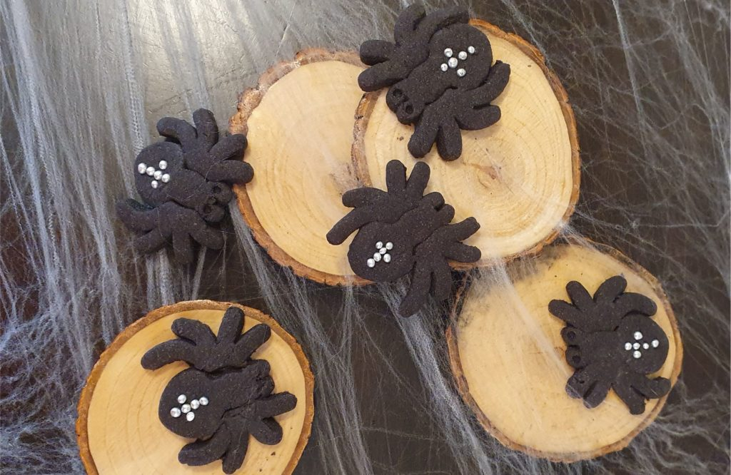 Scary Halloween Spider Cookies