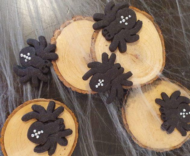 Scary Halloween Spider Cookies