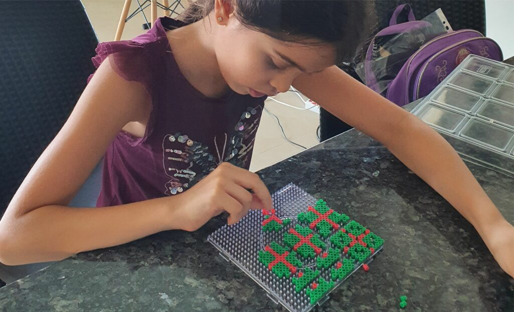 Perler Beads Present with removable lid Christmas decor diy Hama Perler MomMadeMoments