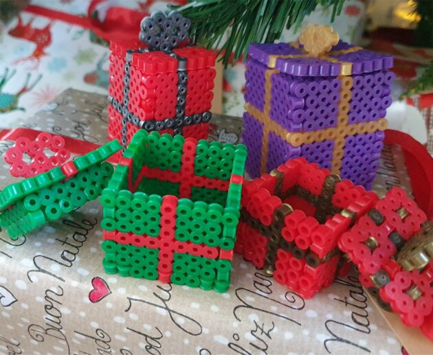 Bead perler present with removable lid Christmas decor diy Hama Perler MomMadeMoments