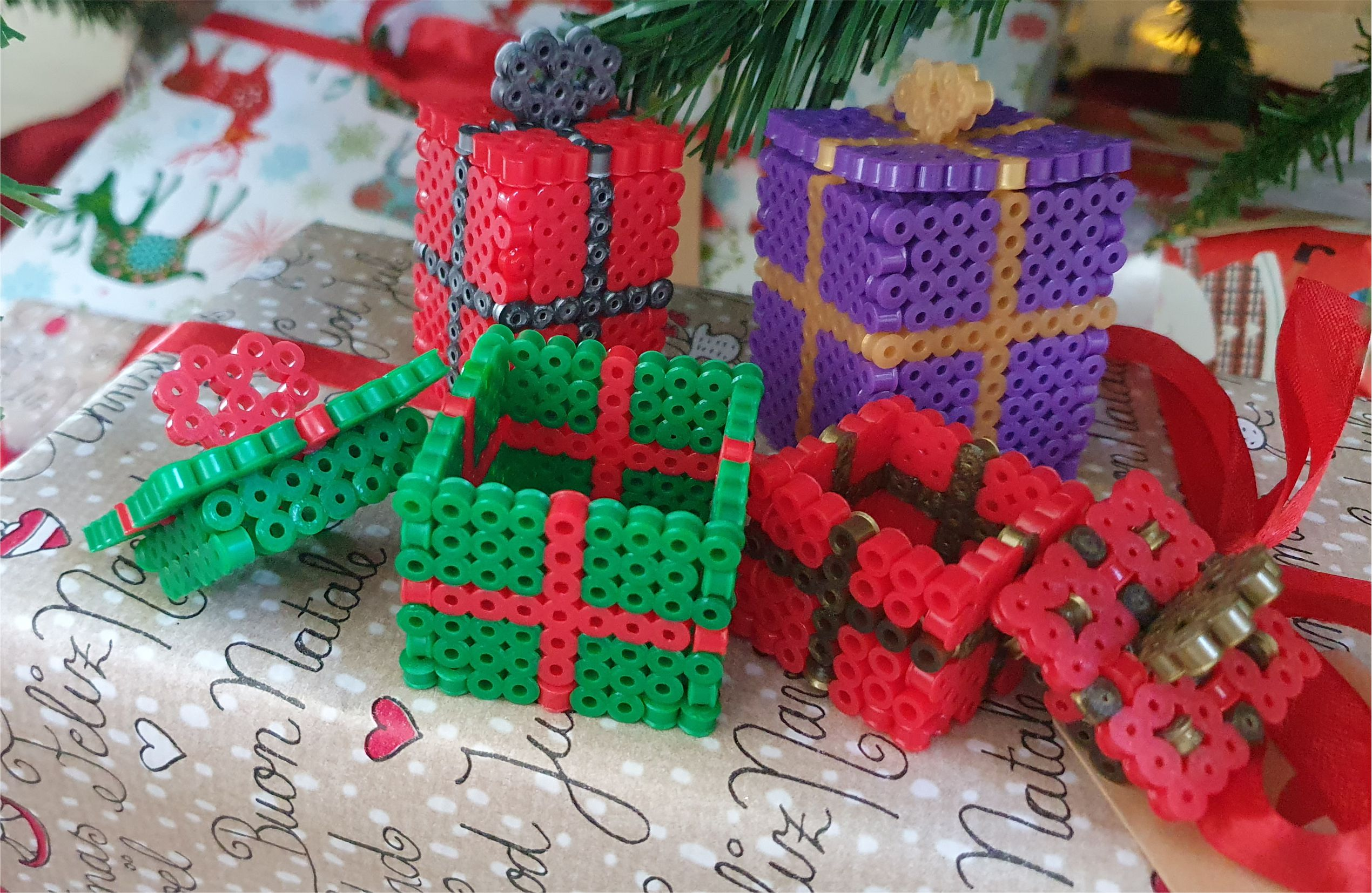 Bead perler present with removable lid Christmas decor diy Hama Perler MomMadeMoments
