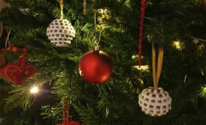 Hama Beads Christmas Baubles Perle julekugler Christmas diy MomMadeMoments