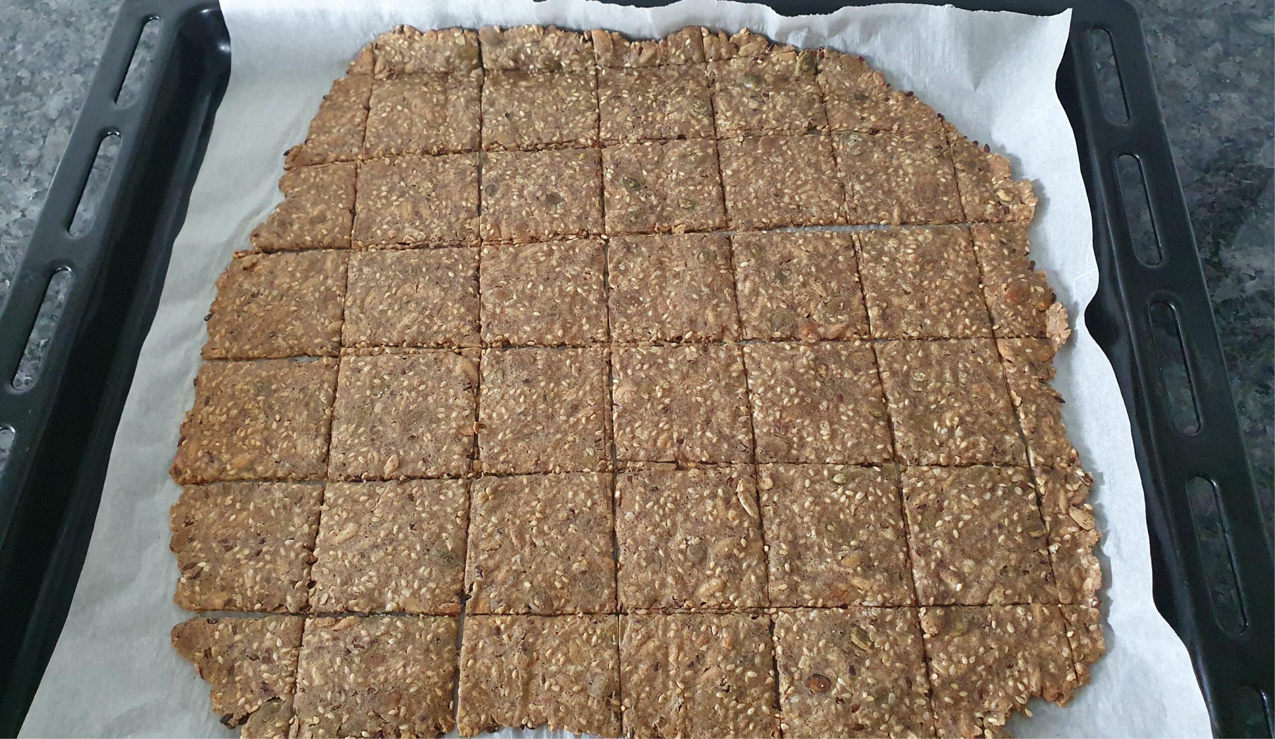 Gluten Free Vegan crackers. Easy Recipe.