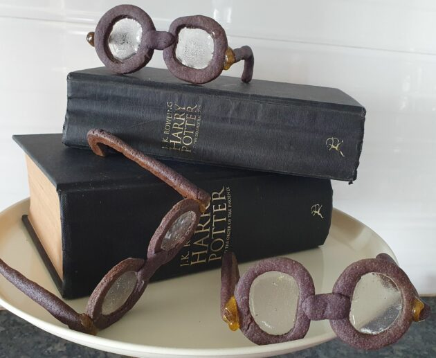 Harry Potter Cookie Glasses -themed Harry Potter party food