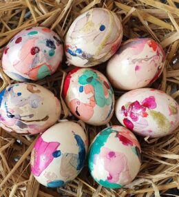 Easy Marbled Easter Eggs for Kids