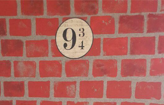 Harry Potter Party Decorations Platform 9 3-4 brickwall diy